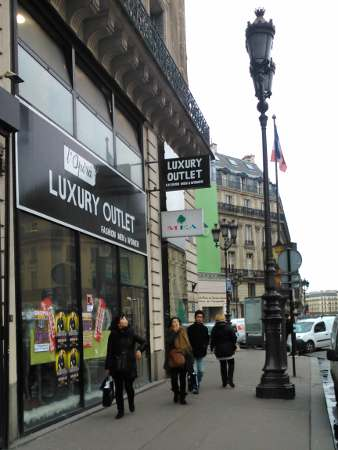 Ouverture dominicale des magasins de bricolage une for Passif synonyme